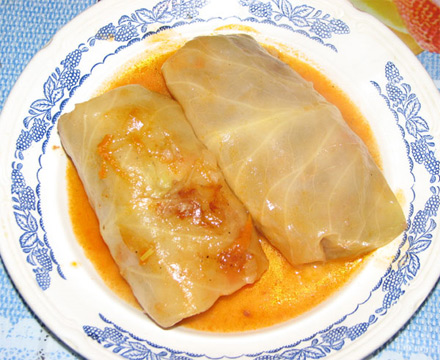Stuffed cabbage rolls recipe (Holubtsi)